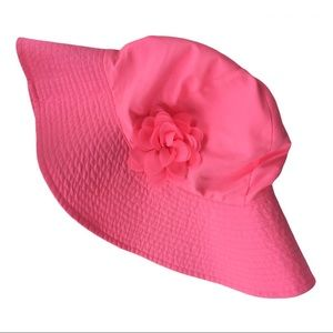 NWOT Bright pink packable hat with pretty flower